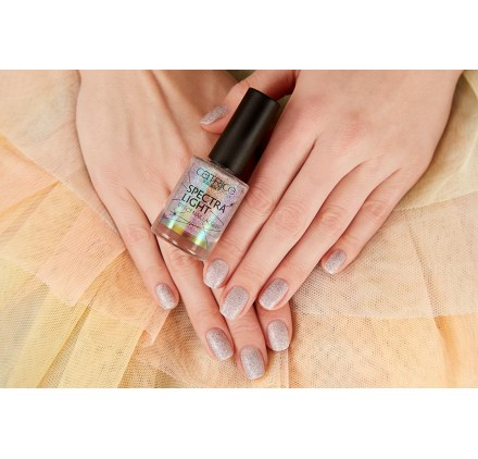 Лак для ногтей Catrice Spectra Light Effect Nail Lacquer